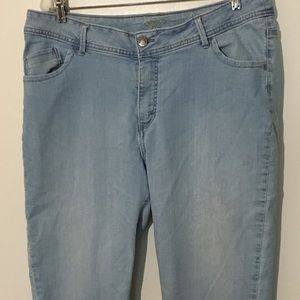 Riders By Lee Stretch Size 18M Women's Capri Jeans